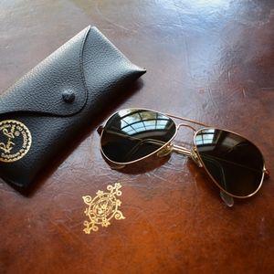 Ray-Ban Aviator Classic Polarized Sunglasses